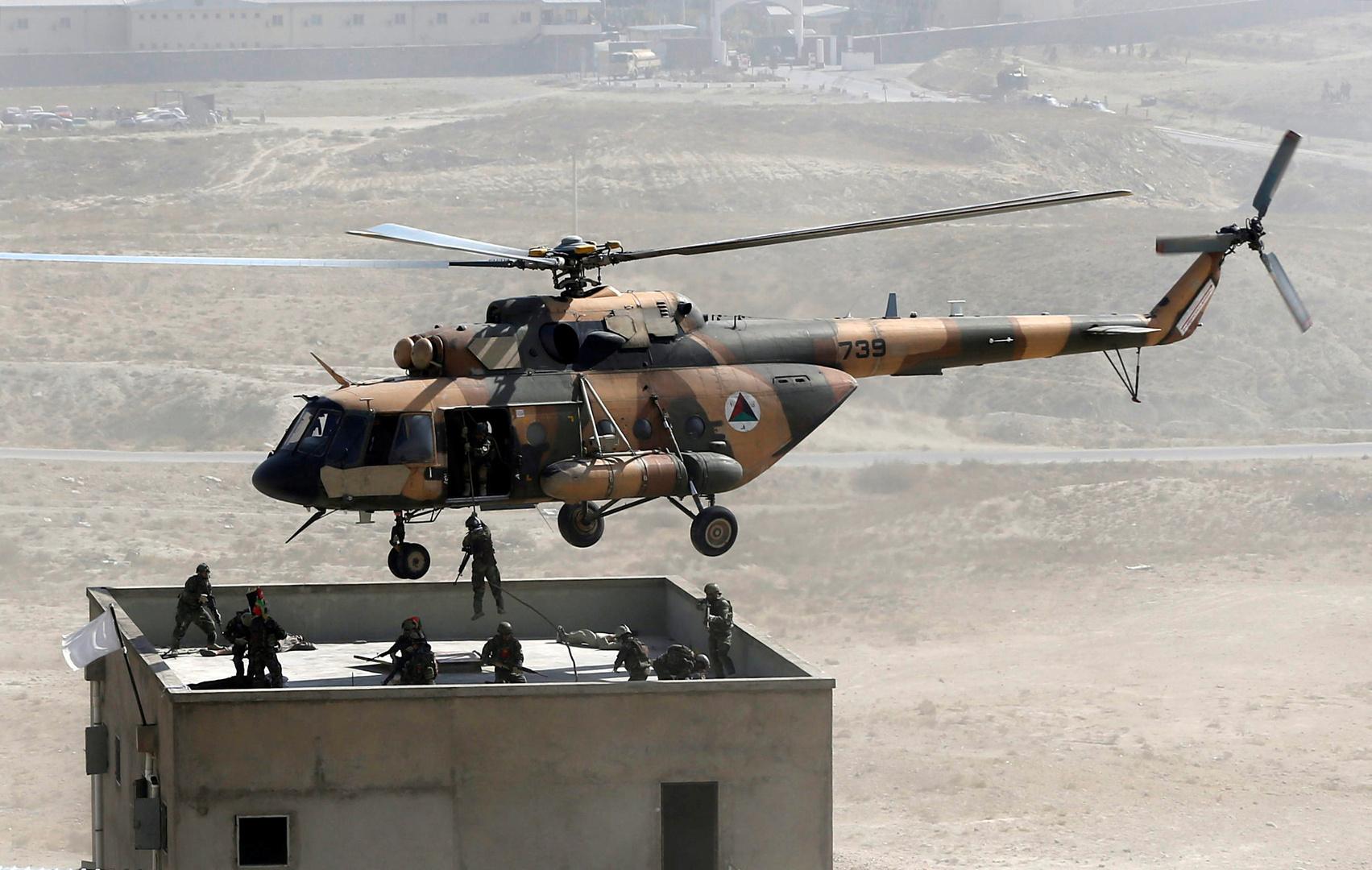 عسكري جندته طالبان يقتل 7 جنود في أفغانستان