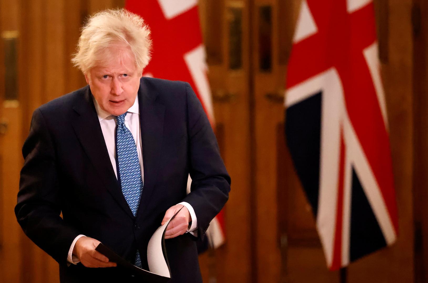جونسون يتوقع تشديد القيود لردع كورونا في بريطانيا