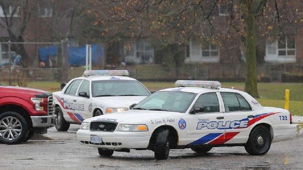 الشرطة الكندية تعتقل محتفلين بالأعياد من داخل منزلهم بسبب كورونا