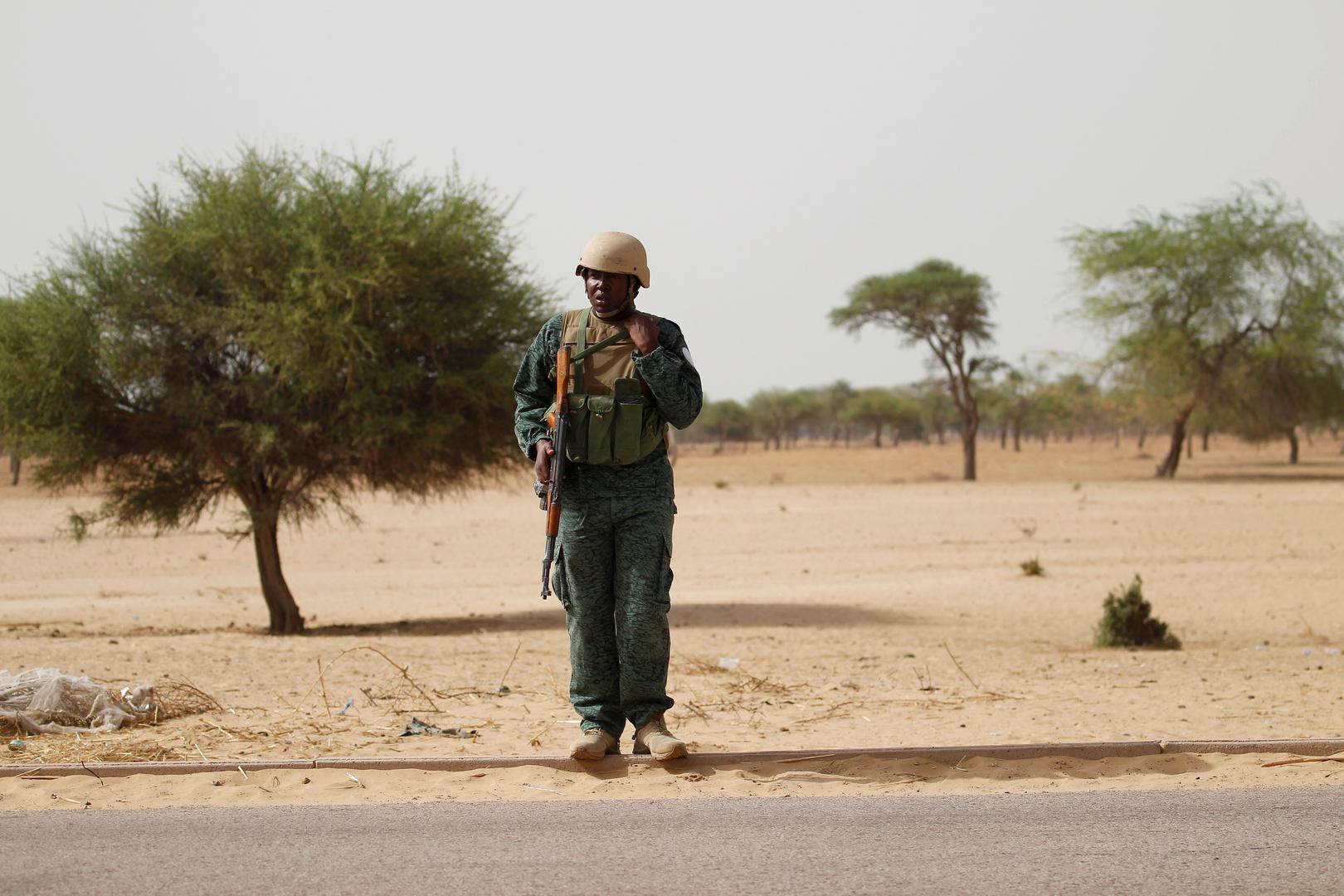 النيجر.. 100 قتيل بهجمات على قريتين عند حدود مالي