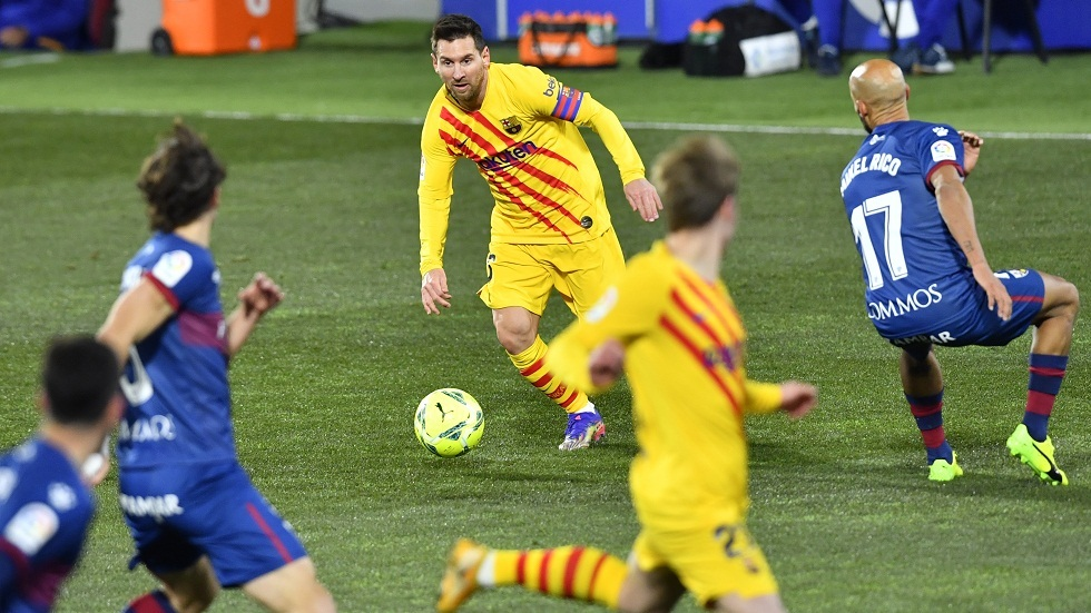 برشلونة يفوز بشق الأنفس على هويسكا في