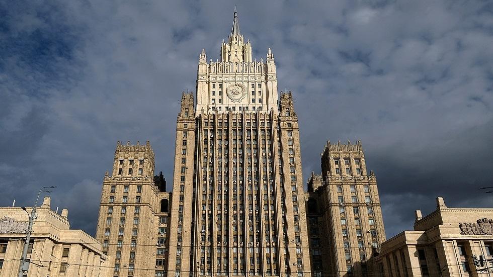 الخارجية الروسية ترد على بومبيو بصورة نابليون مهزوما على أبواب موسكو