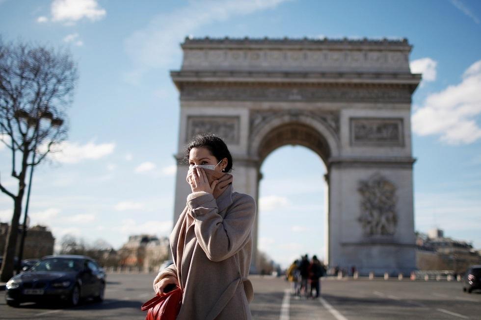 فرنسا.. انخفاض حاد في إصابات كورونا الجديدة