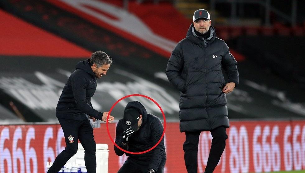 شاهد.. مدرب ساوثهامبتون يبكي بعد فوز فريقه على ليفربول