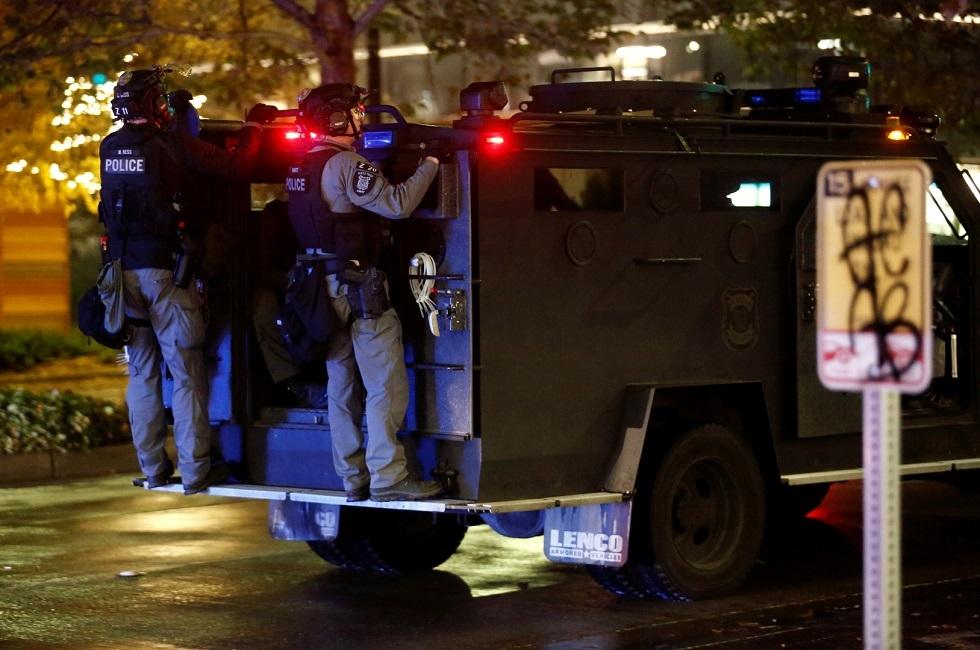 شرطة واشنطن تعتقل زعيم جماعة مؤيدة لترامب بتهمة تدمير الممتلكات