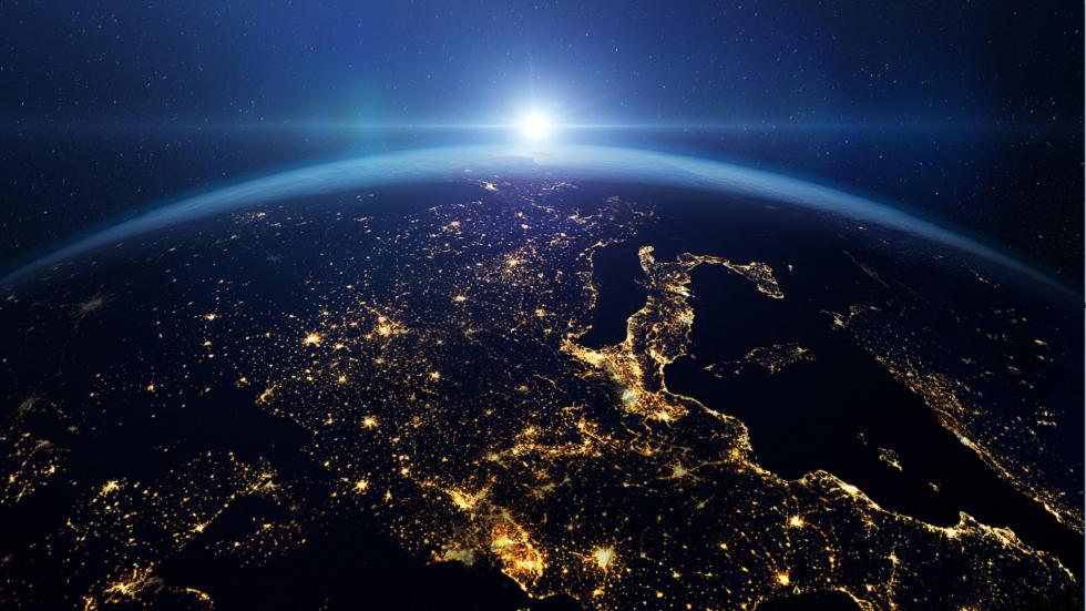 ناسا تصدر سلسلة من الصور تكشف التأثير المدمر لظاهرة عالمية على كوكبنا!