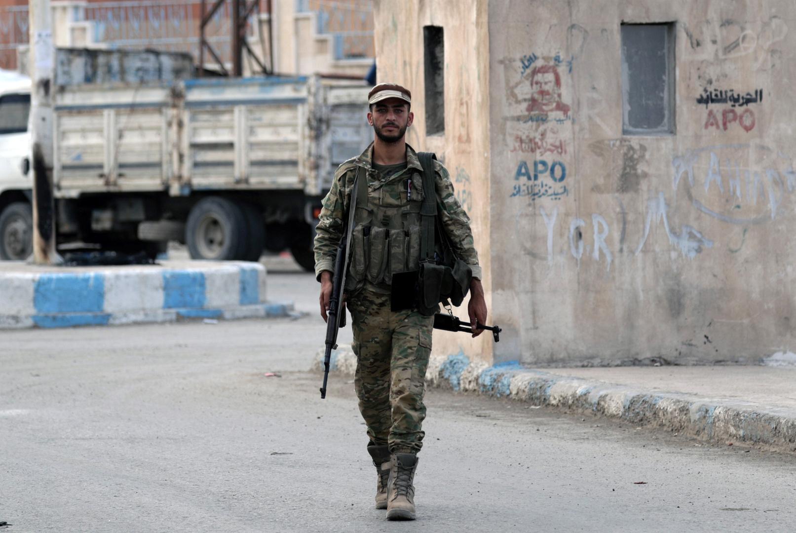 مسلح تابع للجماعات المسلحة الموالية لتركيا