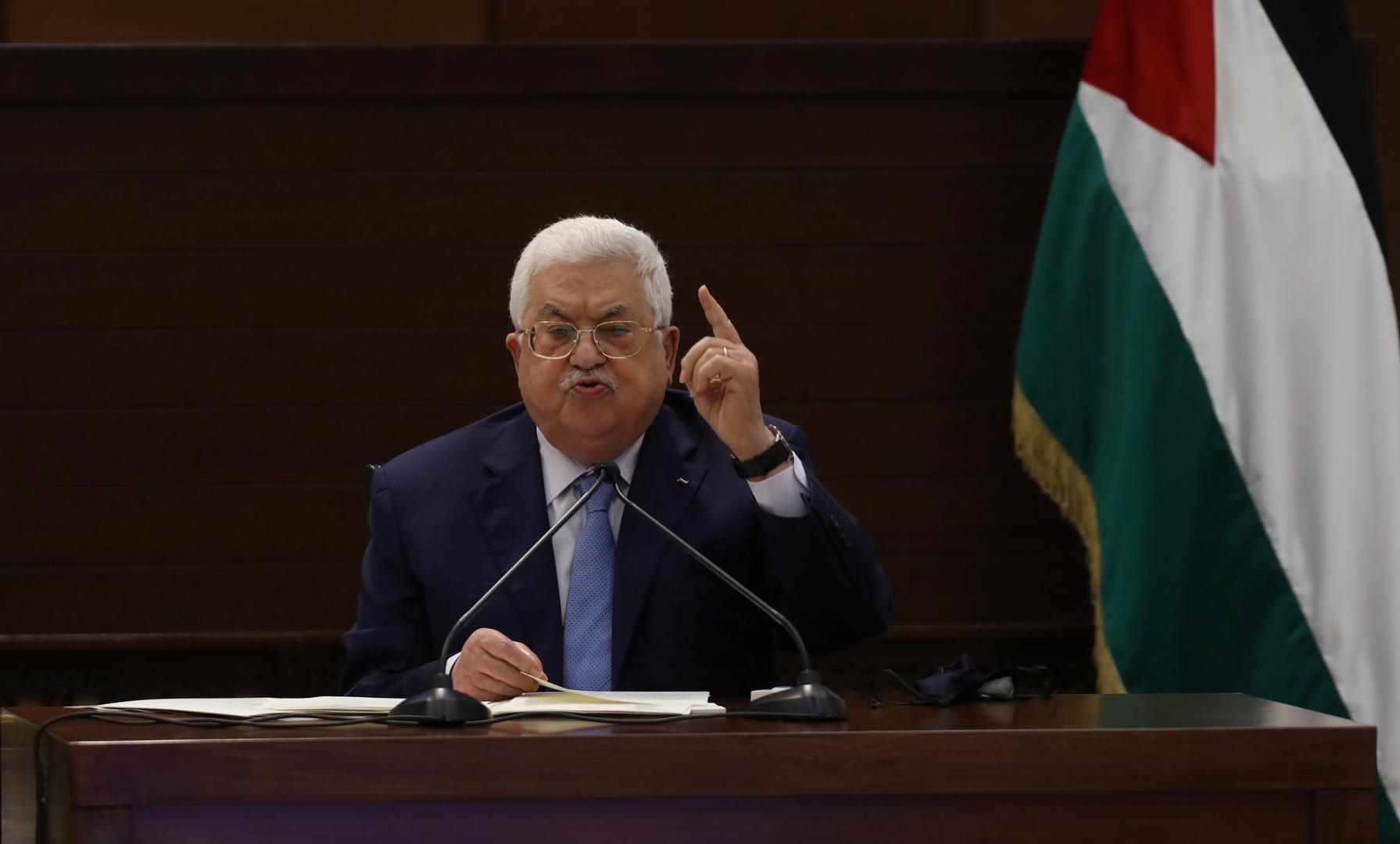محمود عباس يرحب بعقد القمة الخليجية