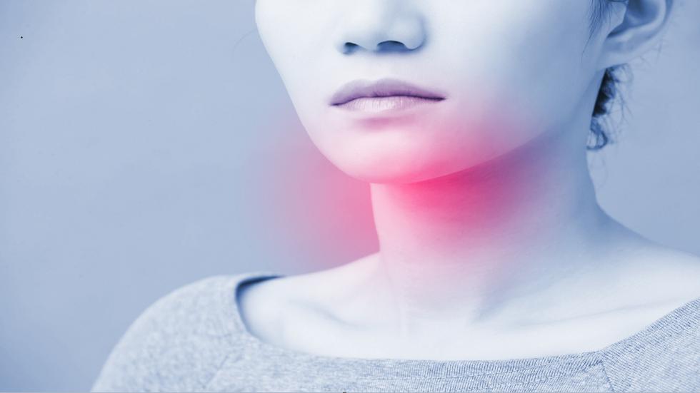 شعور مستمر غير مبرر على الشفاه قد يدل على الإصابة بسرطان الفم!