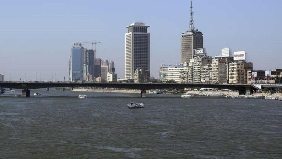 وزير المالية القطري يدشن فندق