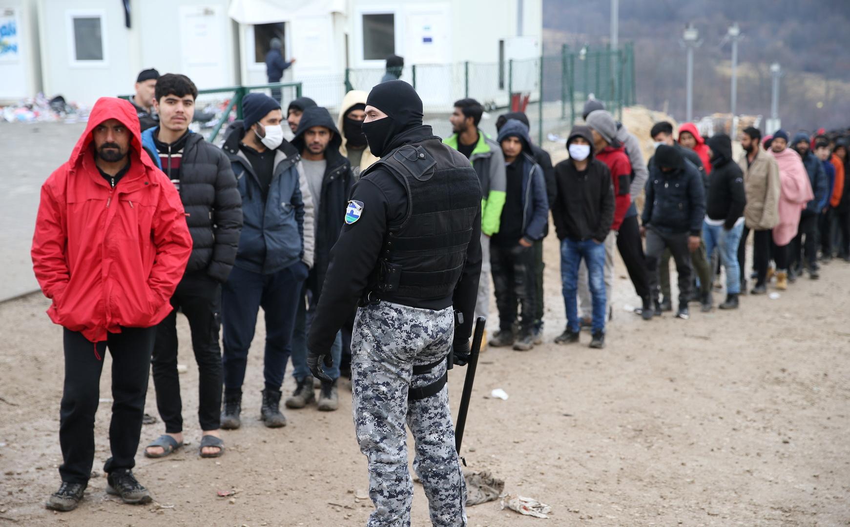 البوسنة.. مئات المهاجرين بلا مأوى في زمهرير الشتاء