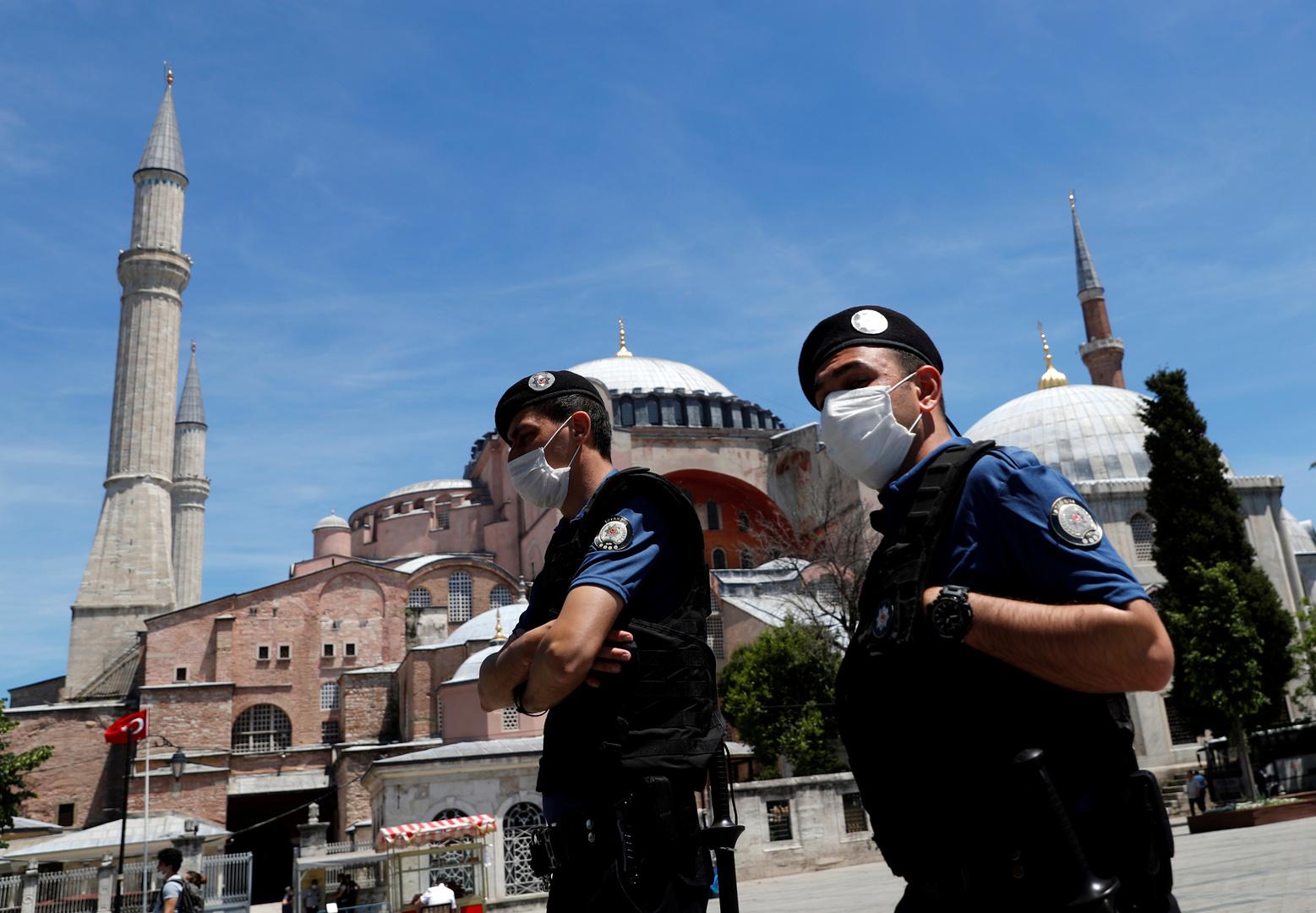 الشرطة التركية في اسطنبول