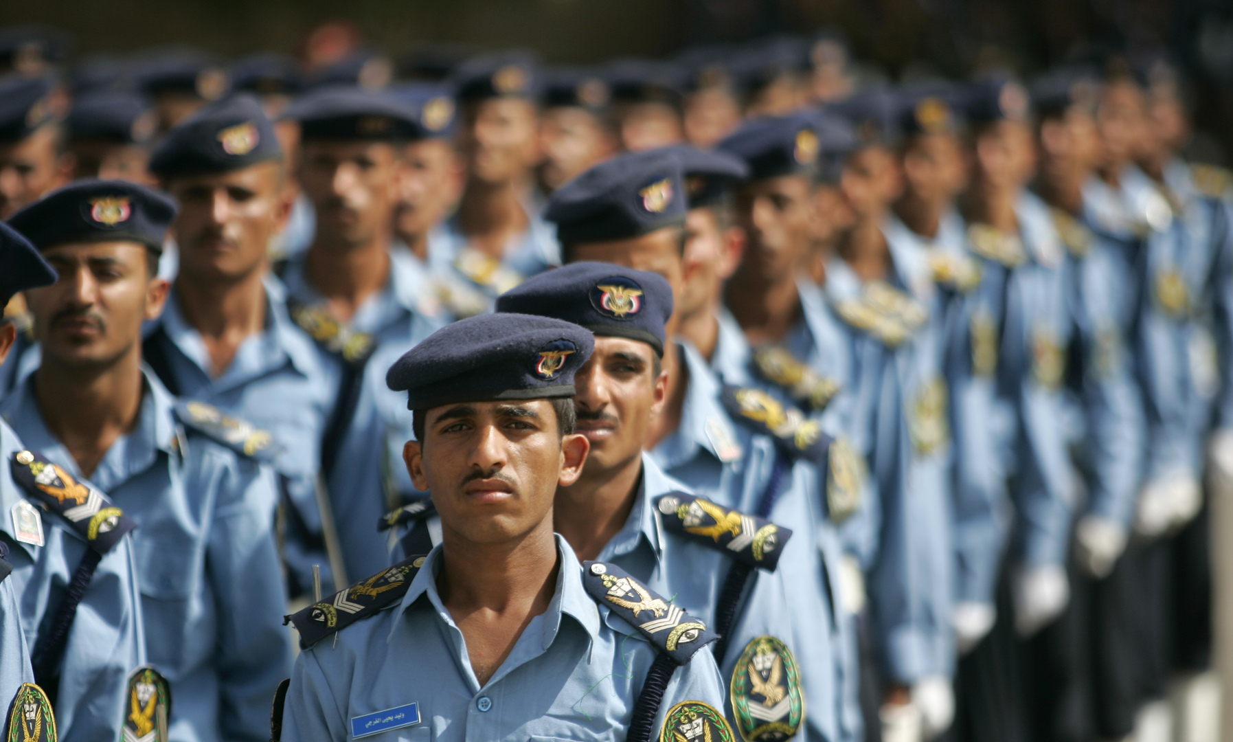اليمن.. إصابة مدير شرطة الدرين في عدن بانفجار عبوة ناسفة استهدفت سيارته