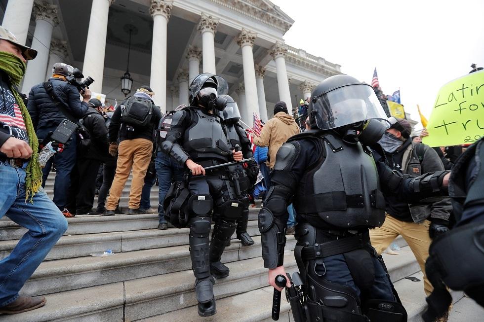اعتقال أكثر من 13 شخصا خلال مظاهرات واشنطن