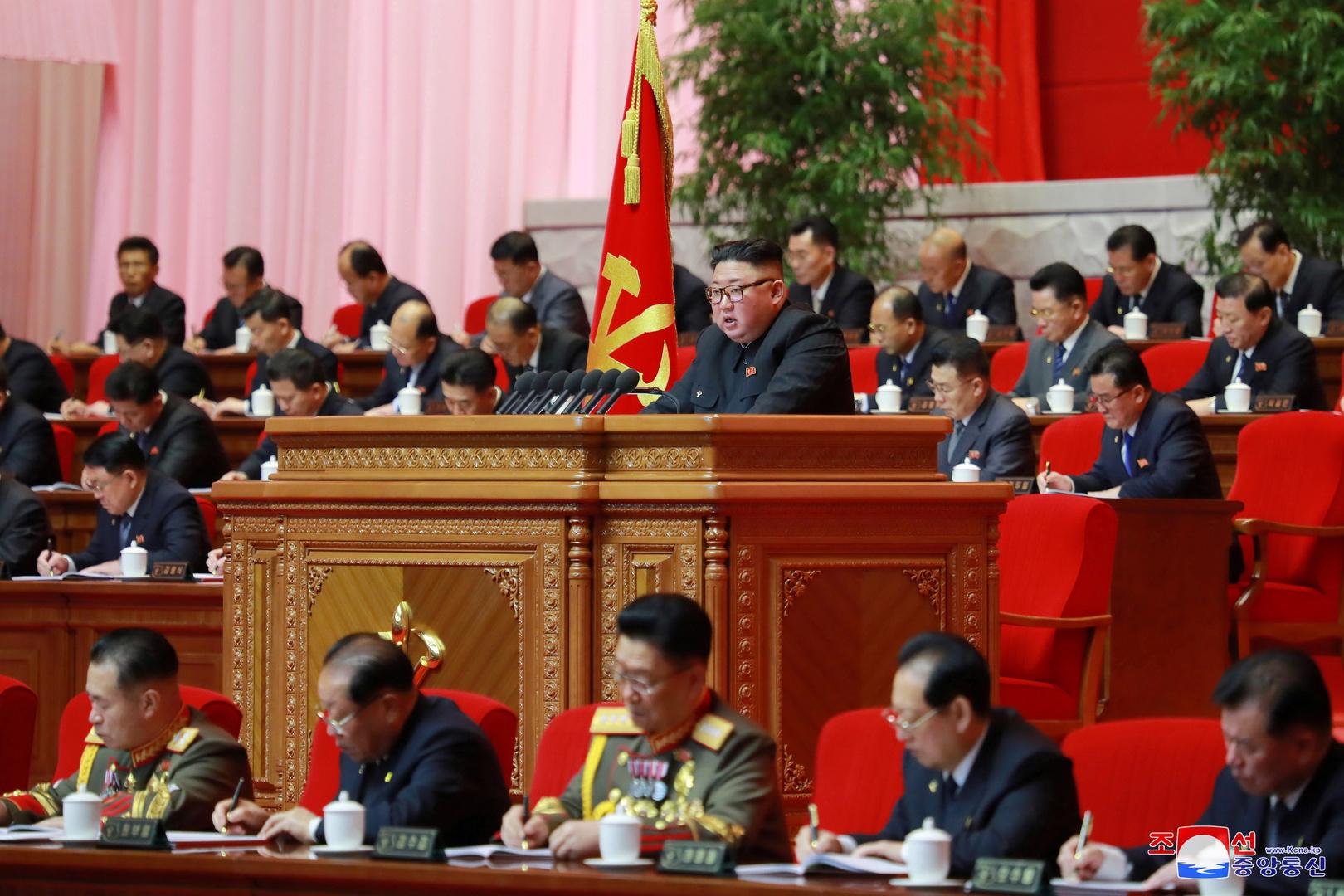 كيم يتعهد بتعزيز القدرات العسكرية لكوريا الشمالية