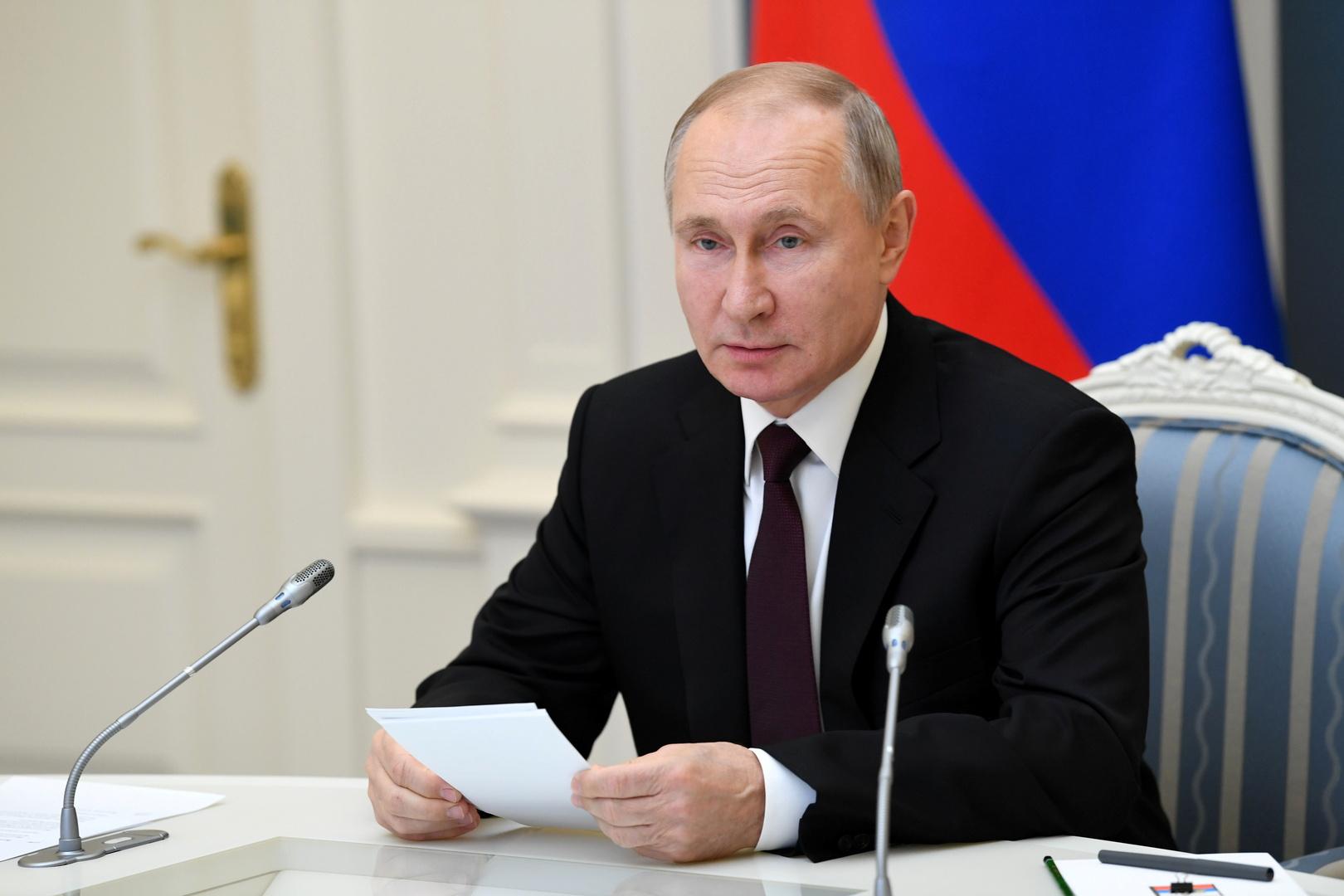 بوتين يهنئ الروس بعيد الميلاد