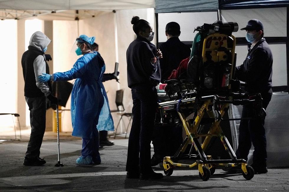 الولايات المتحدة تسجل أعلى حصيلة وفيات يومية بكورونا منذ بدء الجائحة