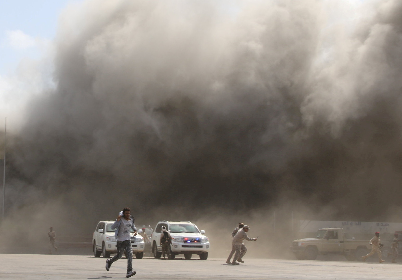 سماع دوي انفجار ضخم في عدن