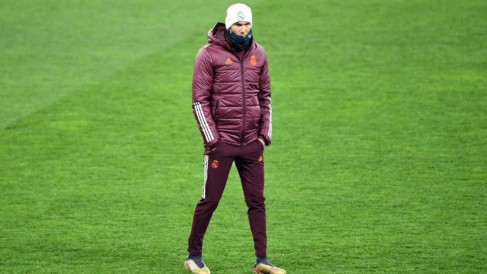 زيدان يخضع للعزل الذاتي ويغيب عن تدريبات ريال مدريد بسبب كورونا