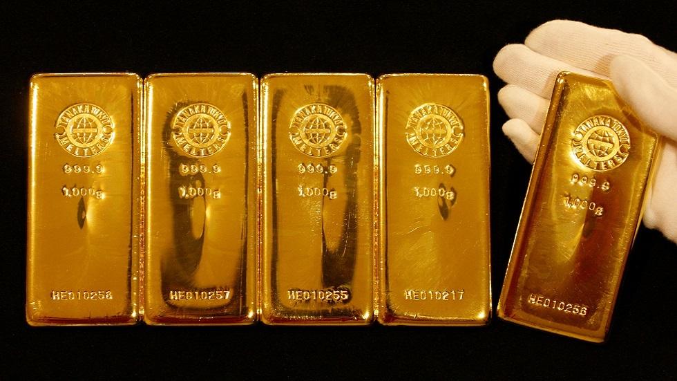 الذهبيهبط مع ارتفاع عوائد السندات وضغوط من ارتفاع الدولار