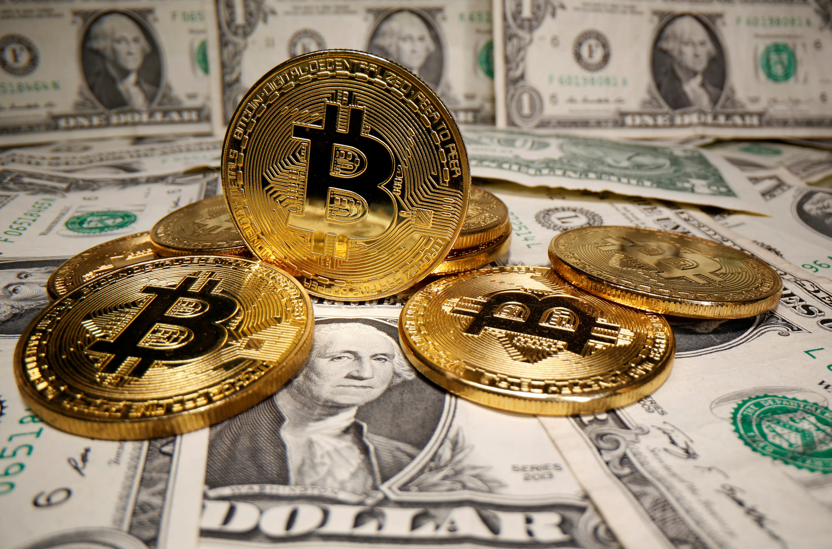 انخفاض قيمة العملة الافتراضية
