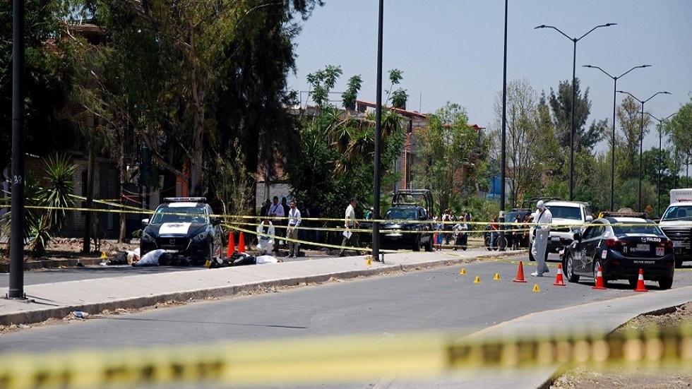 المكسيك.. مقتل تسعة أشخاص بالرصاص في هجوم على جنازة (فيديو + صور)