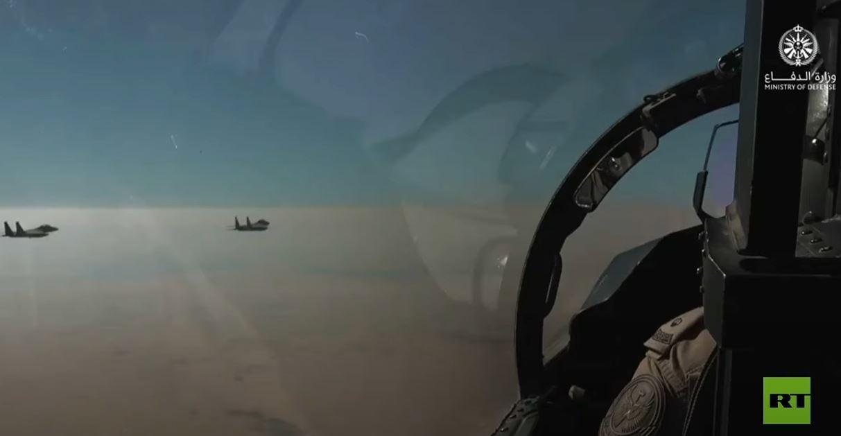 تمرين مشترك للمقاتلات السعودية والقاذفات الأمريكية الاستراتيجية بي-52