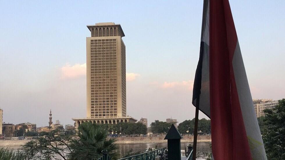 مصر تعلن إعادة بحارين اختطفا قرب نيجيريا في عملية قرصنة (فيديو وصور)