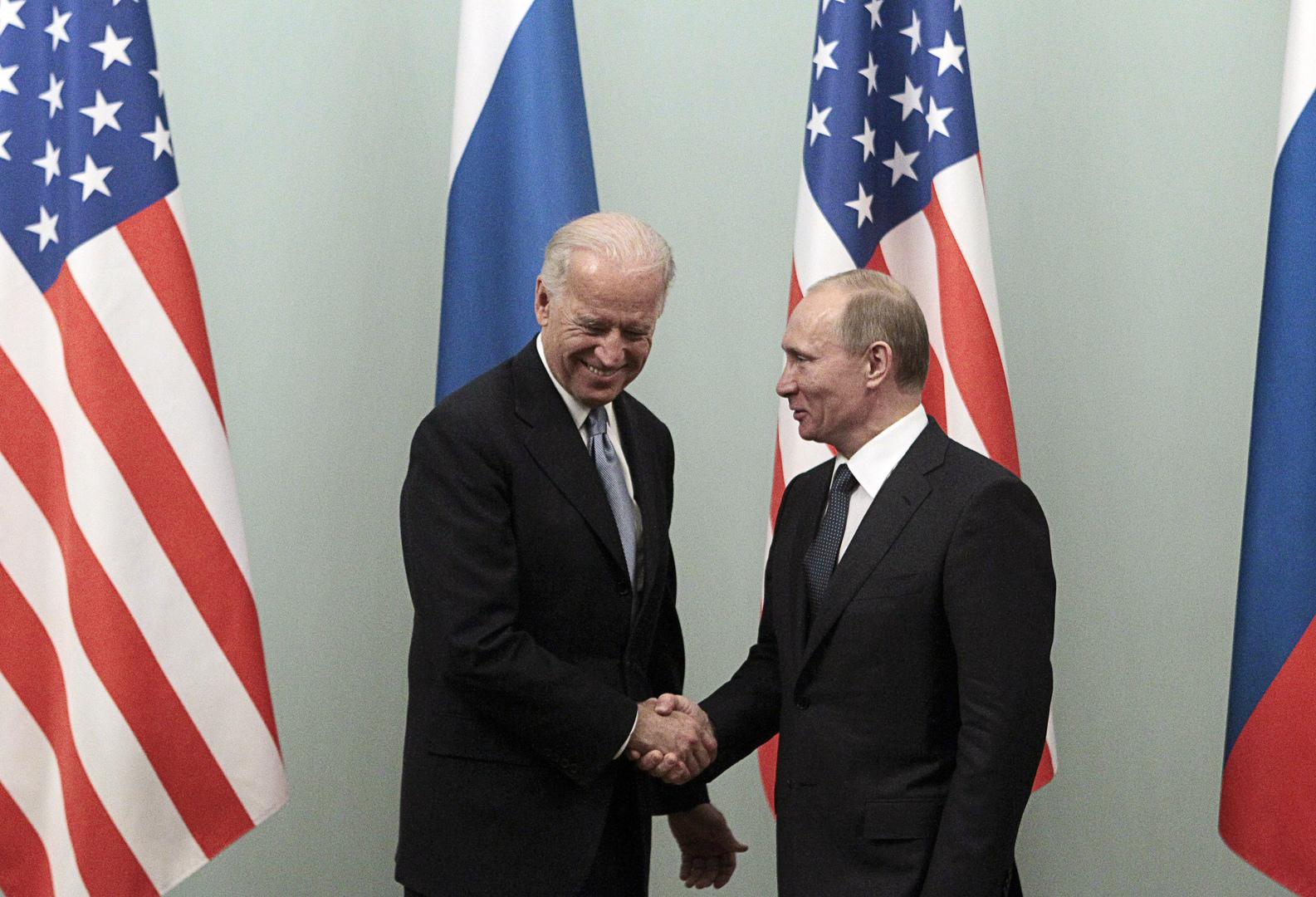 خبير أمريكي ينصح الإدارة الجديدة بقيادة بايدن بإعادة التفكير في العلاقة مع روسيا