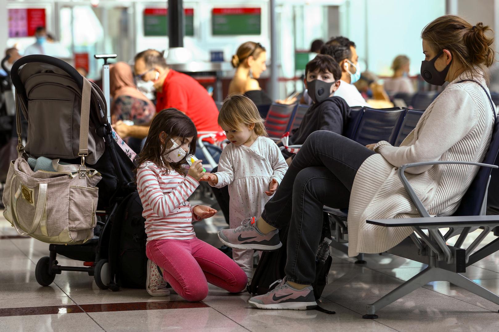 الإمارات.. 2998 إصابة جديدة بكورونا و5 وفيات