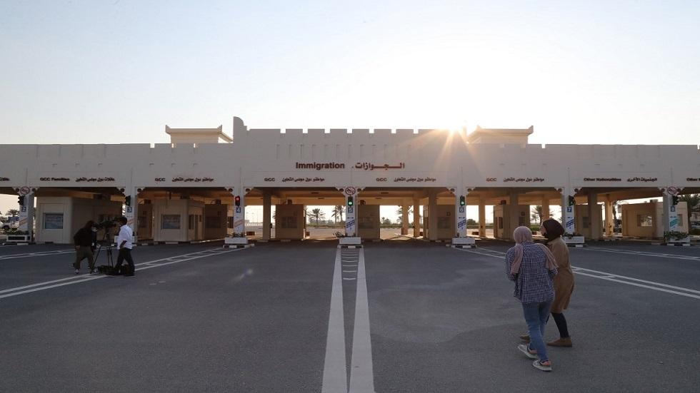 سيارات قطرية تعبر الحدود وتدخل السعودية لأول مرة منذ قطع العلاقات