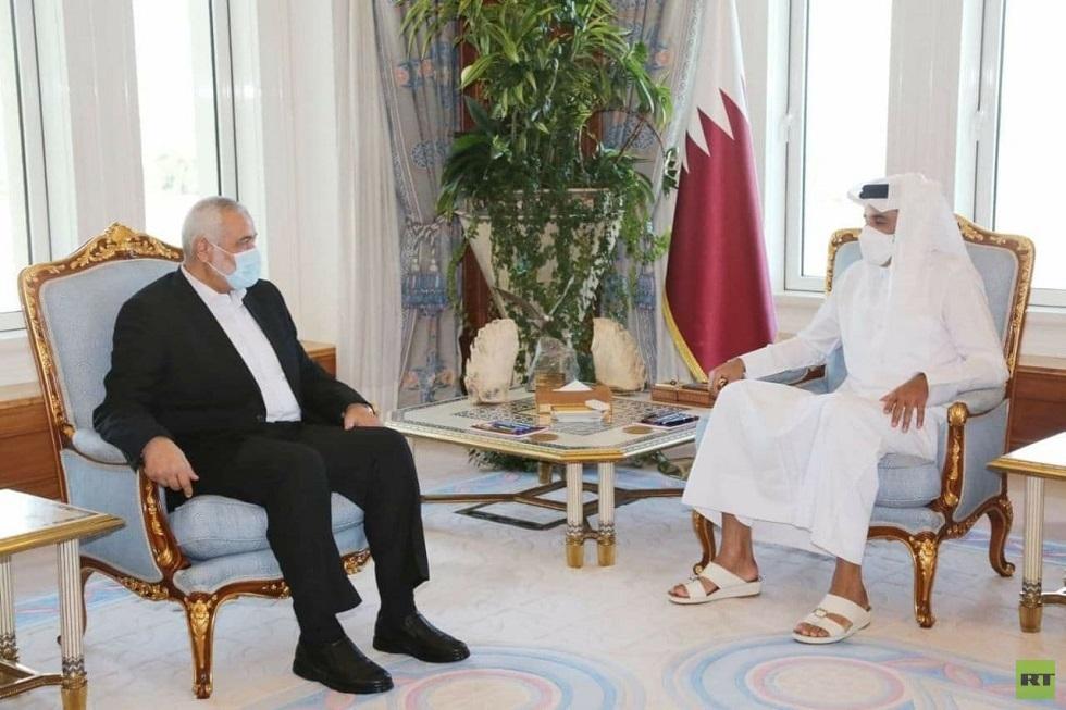 أمير قطر يستقبل رئيس المكتب السياسي لحركة حماس إسماعيل هنية