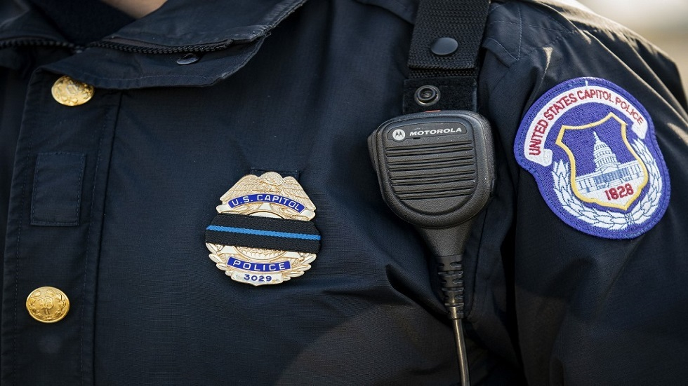 تحقيقات اقتحام مبنى الكونغرس الأمريكي تشمل أفراد شرطة ورجال إطفاء