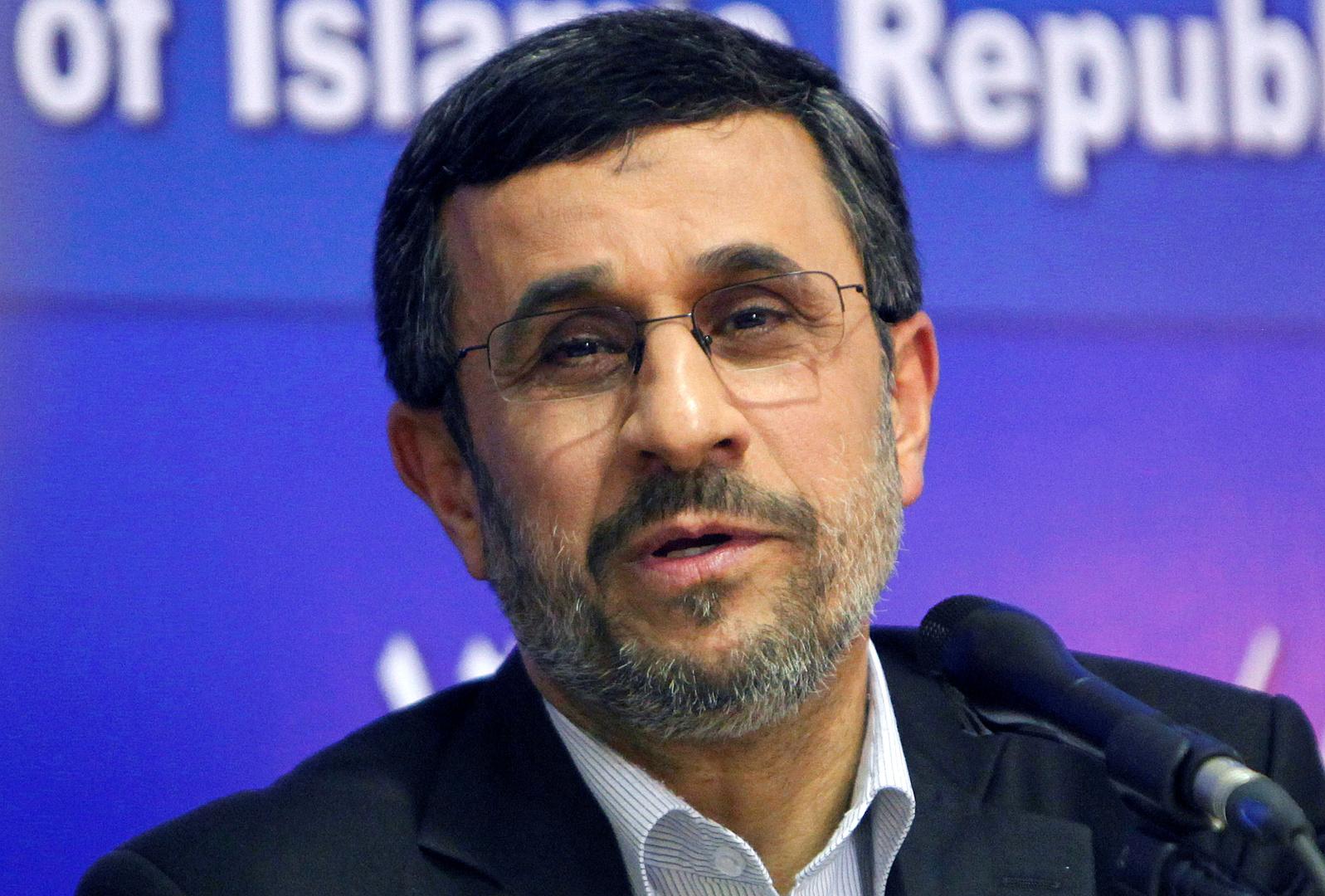 أحمدي نجاد: تعاون إيران والسعودية سيشكل فرصة ذهبية لإحلال السلم وتطور بلدان المنطقة