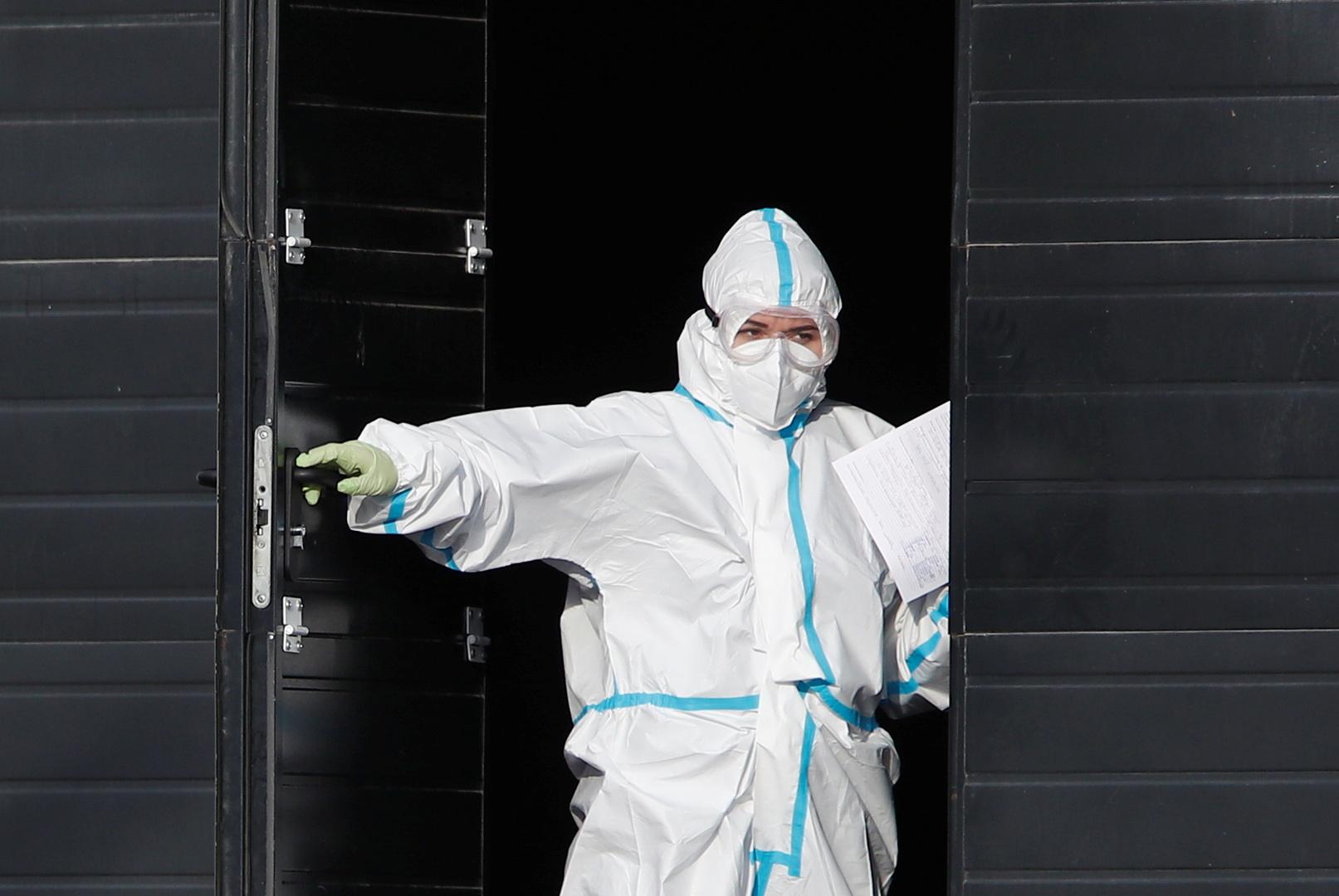 خبير روسي يوضح أسباب انخفاض عدد الإصابات بفيروس كورونا خلال الفترة الأخيرة
