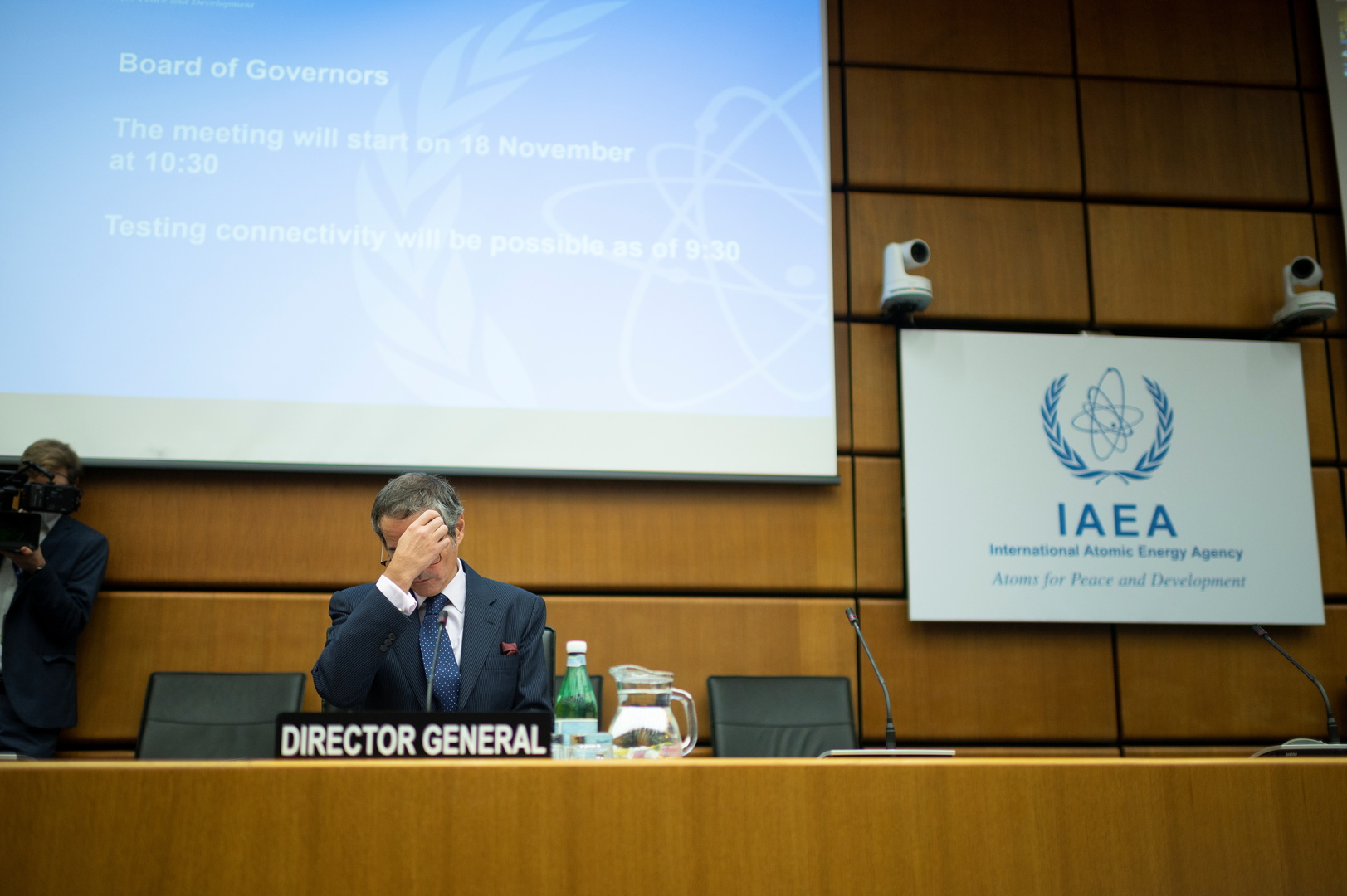 وزير خارجية فرنسا: إيران تعمل على بناء قدرات نووية