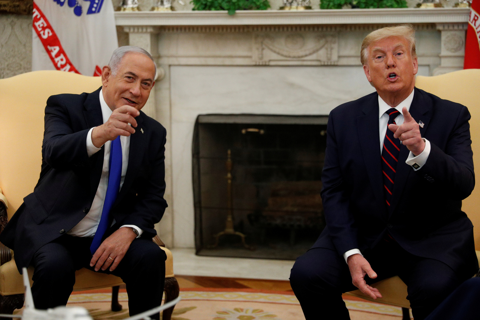 Netanyahu removes a picture of himself with Trump from his Facebook page