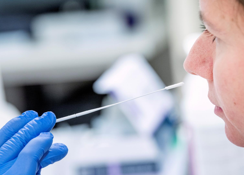 السويد تعلن تطعيم نحو 80 ألف شخص ضد كورونا في البلاد