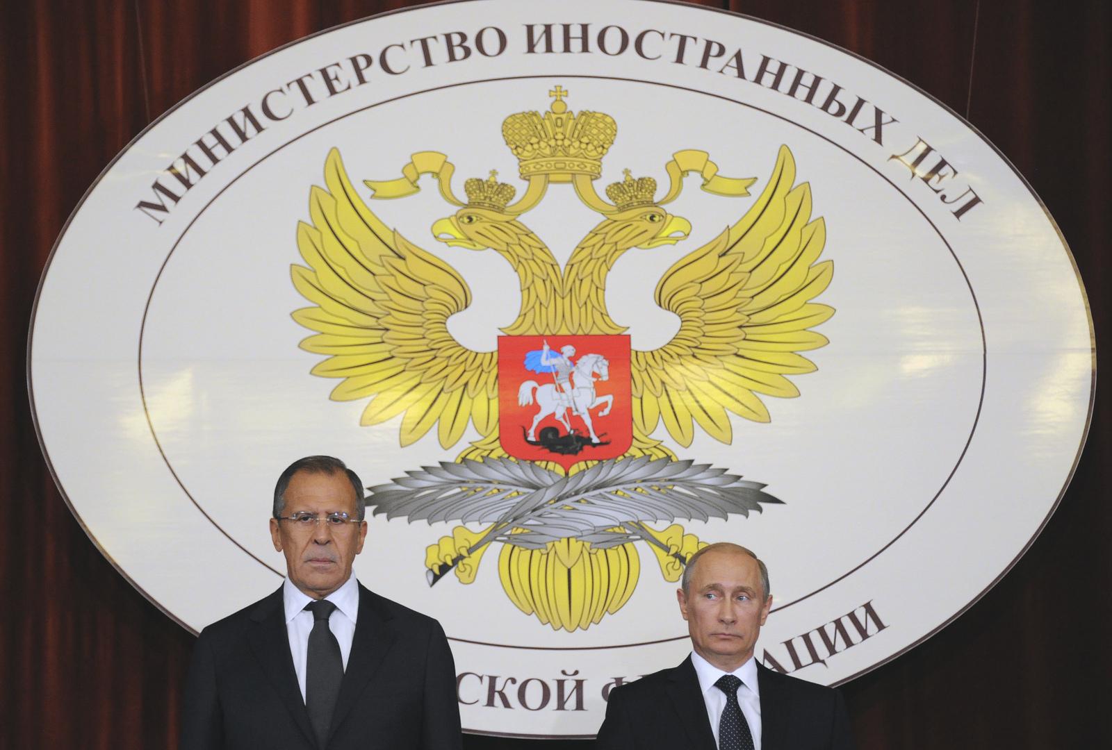الخارجية الروسية تعلق إصدار التأشيرات الإلكترونية للأجانب بسبب الوضع الوبائي
