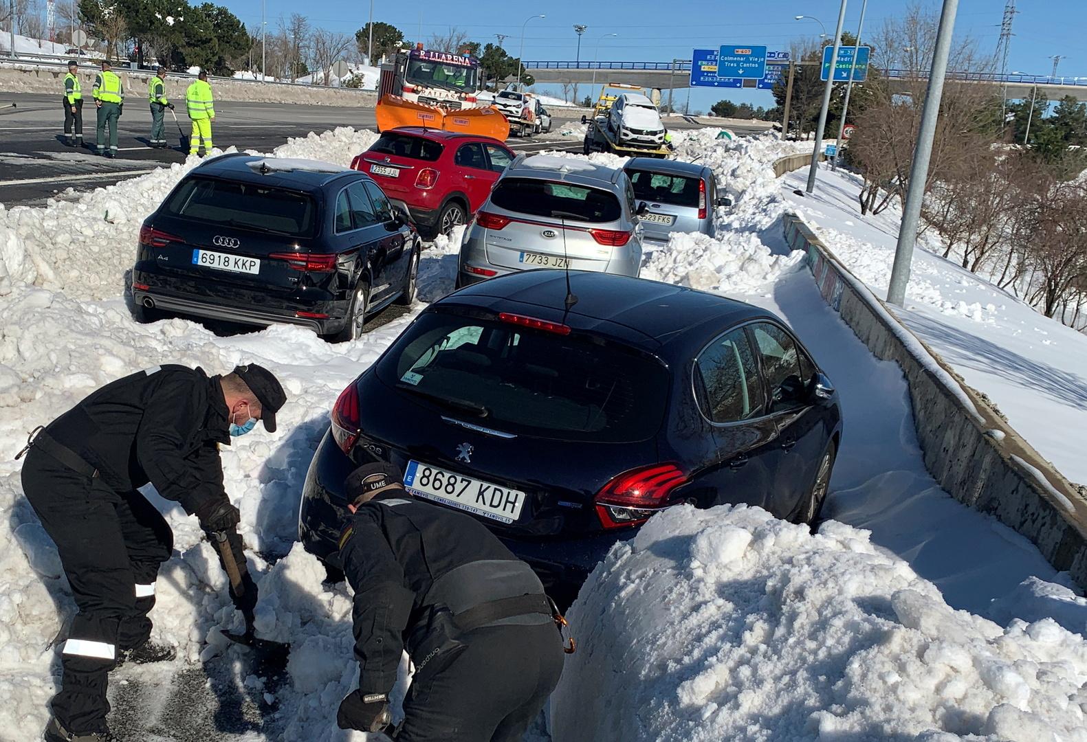 إسبانيا تشهد انخفاض درجات الحرارة في بعض المناطق إلى ما دون 25 درجة تحت الصفر