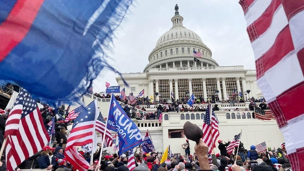 الحزب الديمقراطي يشن حربا أفغانية جديدة.. هذه المرة داخل الولايات المتحدة الأمريكية