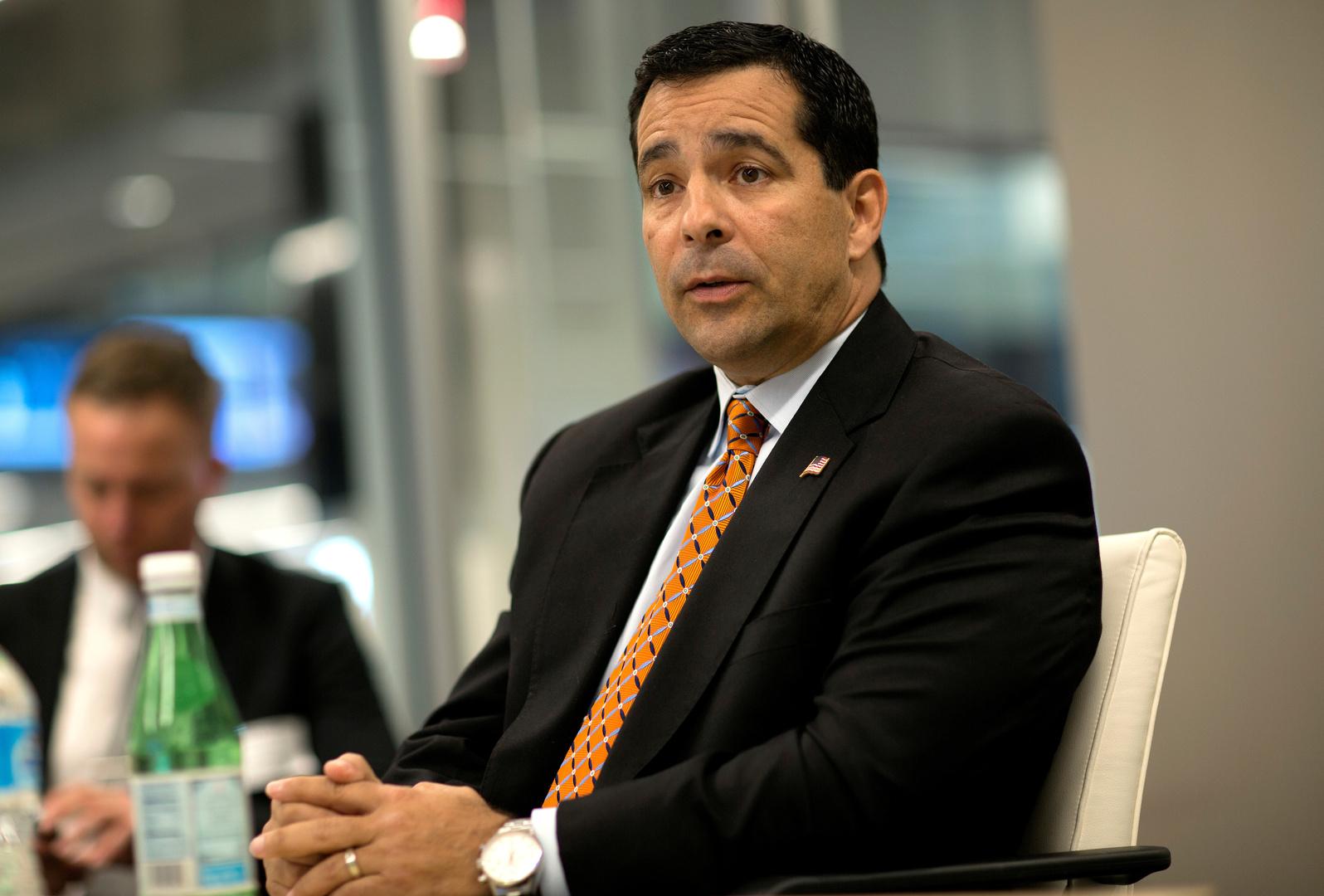 مدير المكتب الوطني الأمريكي للأمن ومكافحة التجسس، ويليام إيفانينا