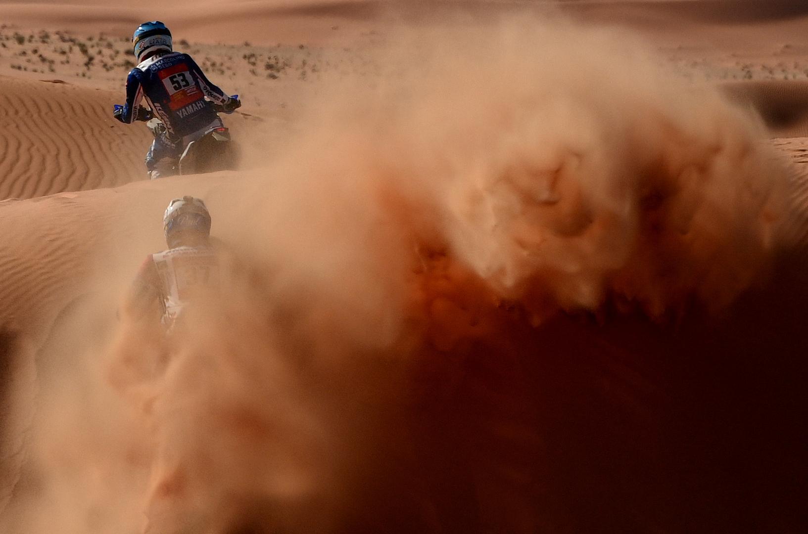 انسحاب متصدر الدراجات النارية كورنيخو بعد تعرضه لحادث في رالي داكار