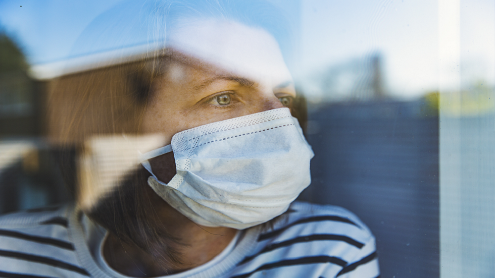 طبيب يتحدث عن كيفية معرفة احتمال إصابتك بالفعل بفيروس كورونا!