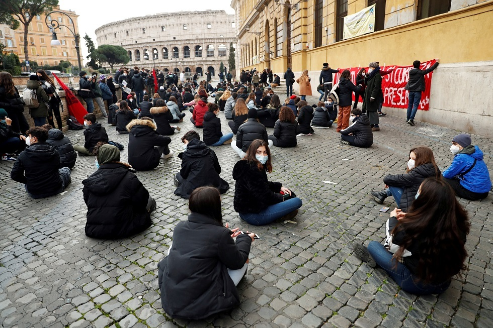 باحثة إيطالية: مناعة القطيع ربما لن تتحقق في إيطاليا حتى عام 2024