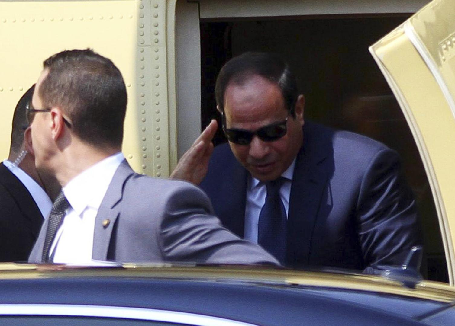 السيسي يبحث تزويد الجيش المصري بأسلحة جديدة