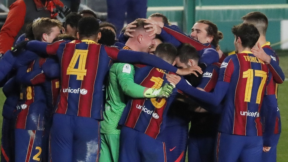 The penalty shootout smiles at Barcelona and leads it to the Spanish Super Final at the expense of Sociedad (video)