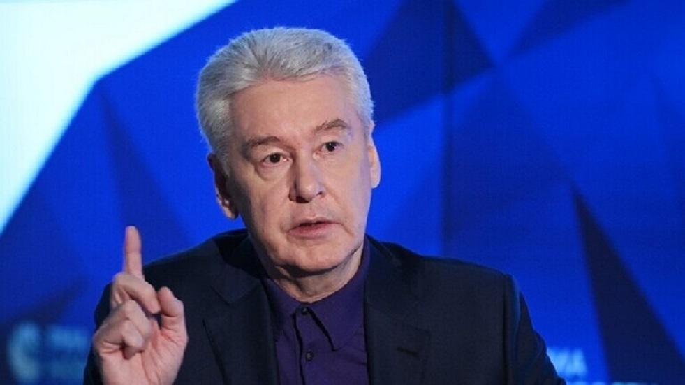 سوبيانين يلغي الدراسة عن بعد في مدارس موسكو