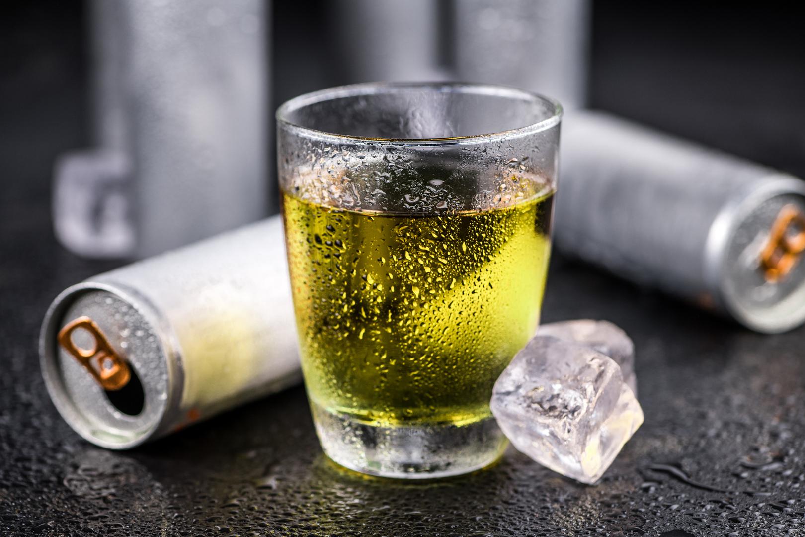 4 أسباب تجعل مشروبات الطاقة ضارة وبدائل صحية لتعزيز الطاقة