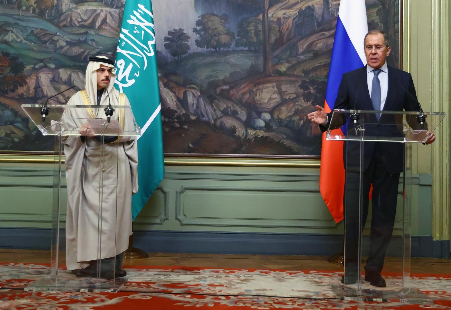 وزير الخارجية الروسي سيرغي لافروف يستقبل نظيره السعودي الأمير فيصل بن فرحان في موسكو